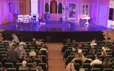 La teatru  pe vreme buna